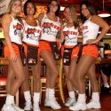 Hooters Girls - 01