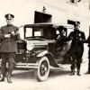 Police w/ Thompson's submachinguns - 05