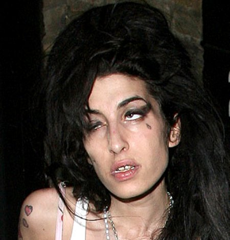 Amy Winehouse - Stupid Dead Junkie
