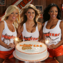 Hooters Girls - 02
